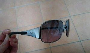 Coole Sonnenbrille für schmale Gesichter