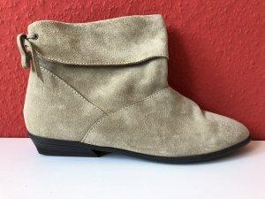 Coole Stiefeletten bzw. Booties in Sandfarben, Leder/Kunstleder, ASOS, 40
