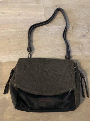Coole strukturierte Tasche mit Fell