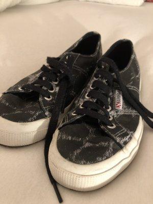 Coole Superga Sneaker