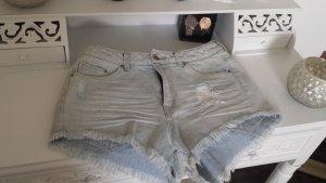 Coole Taillen Shorts mit ausgefransten Beinen Gr. 38