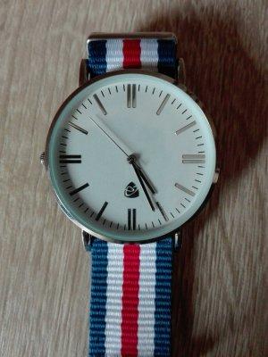 coole Uhr in rot blau weiß a la Daniel wellington