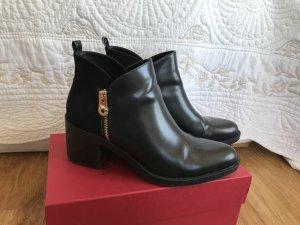 coole Zara Boots mit Absatz
