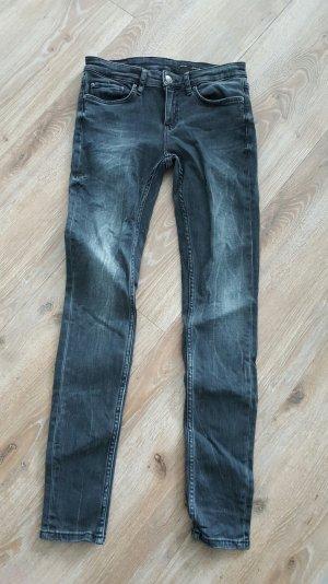 Coole Zara Skinny Jeans in Grau Gr.36