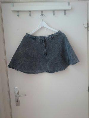 cooler ausgestellter mini jeansrock
