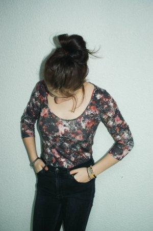 Cooler Blumenpullover, blogger