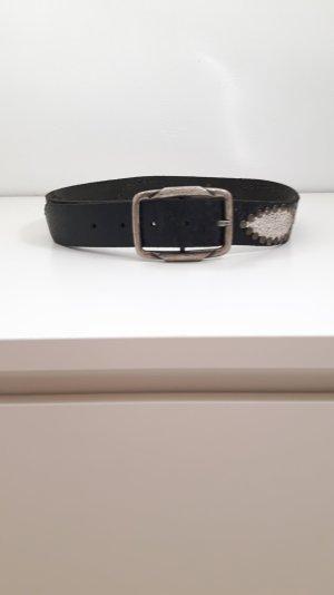 Cooler Echtledergürtel mit Nietendetails im Used Look von JKO