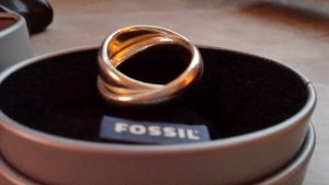 cooler Fossil-Ring Silber