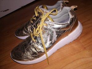 Cooler goldfarbener L.A. Gear-Sneaker