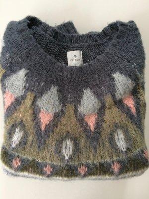 Cooler, kuscheliger Pullover, leicht oversized bei Grösse 36/38