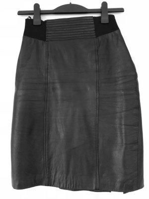 Mango Suit Falda de cuero negro