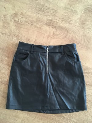 Subdued Leather Skirt black
