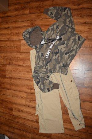 Cooler neuer Kapuzen Sweater Bershka 40 Camouflage