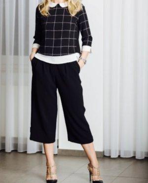Cooler Outfit Culotte-Hose und Bluse