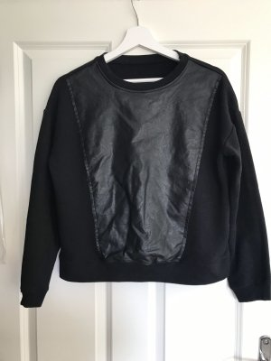 Cooler Pullover mit Kunstleder Einsatz