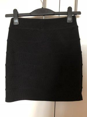 Cooler schwarzer Minirock mit Struktur  Größe: 36, H&M
