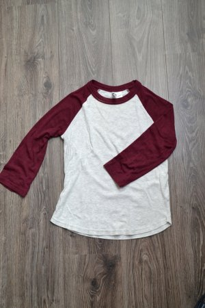 Cooles Collegeshirt 3/4