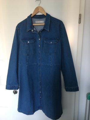 Cooles Jeanskleid für viele Styles