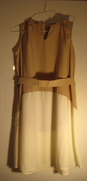 Cooles Kleid der trendigen Marke Kling