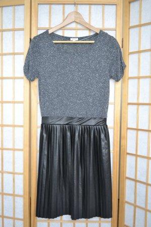 Cooles Kleid mit Lederoptik