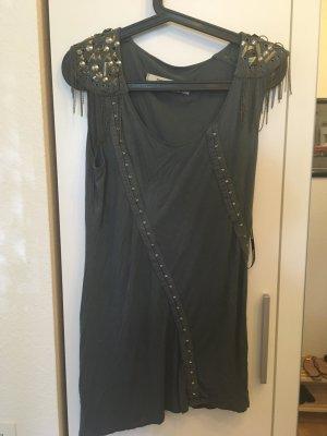 Cooles Kleid mit Nieten
