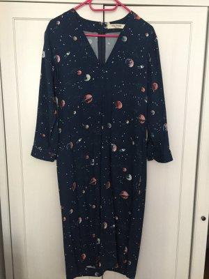 Cooles Kleid mit Planeten und sexy V-Ausschnitt super für den Frühling und Sommer
