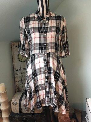 Cooles Kleid von Mango
