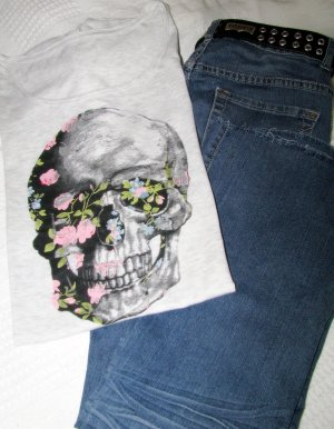 Cooles Romantic Skull T-Shirt Gothic, Hippie, Punk, Rock, Festival