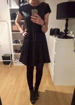 Cooles schwarzes Kunstlederkleid von SET