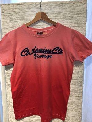 Cooles Shirt mit gesticktem Schriftzug