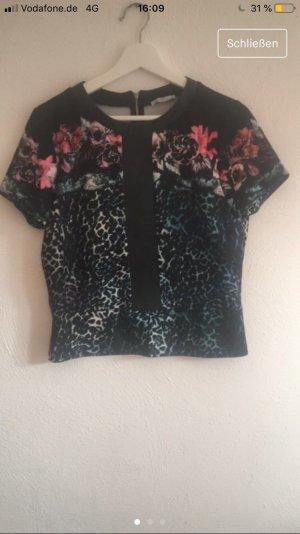 Cooles Shirt mit Lederdetail