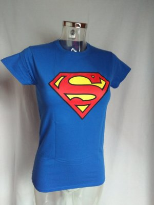 cooles Shirt mit Superman Logo neuwertig!