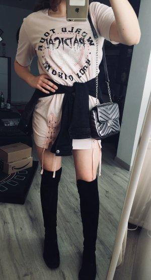 Cooles T-Shirt Kleid in blassem Rosa