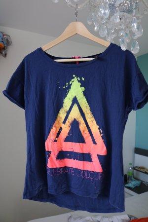 cooles Tshirt mit Dreieckmuster