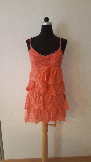 Coral farbendes Kleid