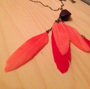 Coralige Federkette + Ohrringe - Hingucker für den kommenden Sommer