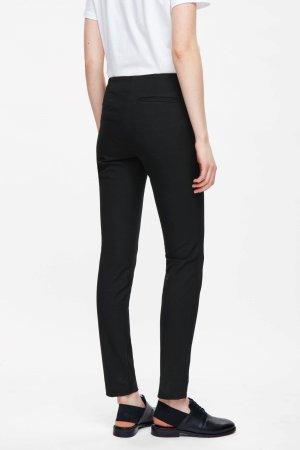 COS Pantalon fuselé noir coton