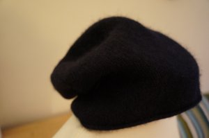 COS Knitted Hat dark blue cashmere