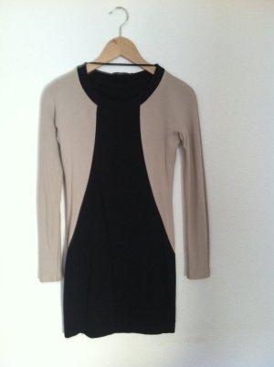 COS Jerseykleid mit langen Ärmeln und eleganter Schnittführung