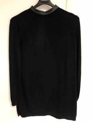 COS Kleid mit Stehkragen aus Leder und Rückenausschnitt