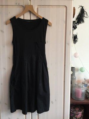 COS-Kleid mit Taschen (schwarz, Gr. 34)