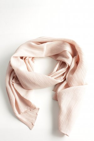 COS Crinkle Scarf cream business style