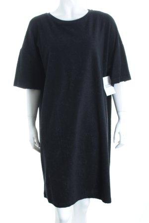 COS Kurzarmkleid schwarz minimalistischer Stil