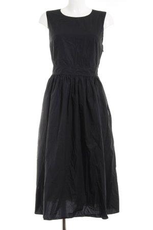 COS Midi Dress black street-fashion look