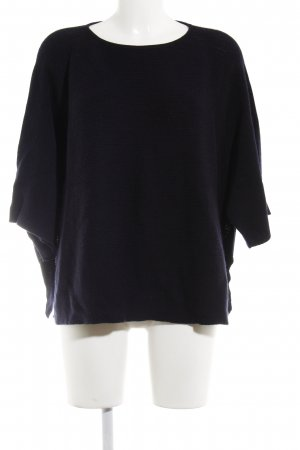COS Oversized Pullover dunkelblau Street-Fashion-Look