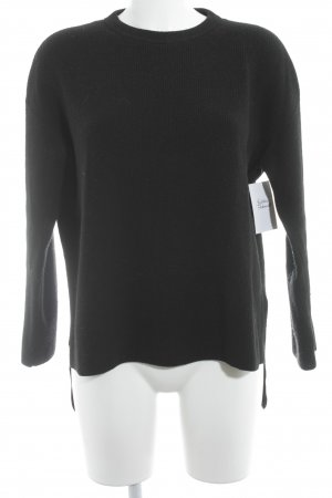 COS Oversized Pullover schwarz Street-Fashion-Look