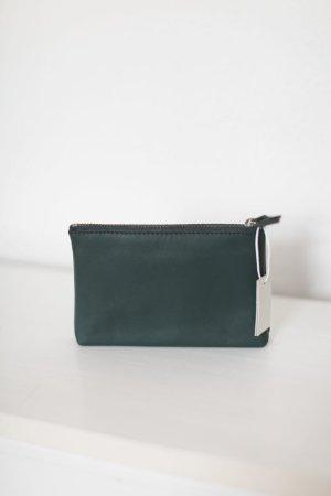 COS Pouch Geldbörse Etui Portemonnaie Grün Flaschengrün echtes Leder Zip Neu mit Etikett
