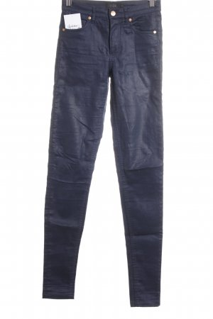 COS Tube Jeans dark blue casual look