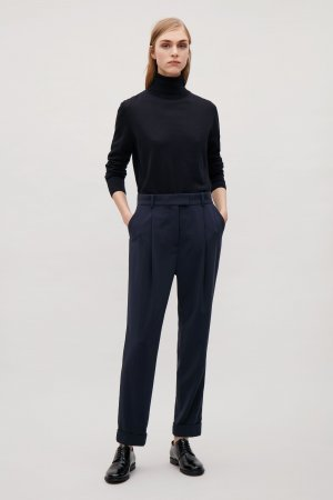 COS Schwarze Tailored Pleat Trousers || Fliessender Stoff || Bundfalten