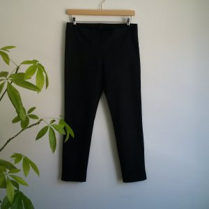 COS Slim Fit Trousers 42 || Coated Essential Style || Schwarze Roehrenhose